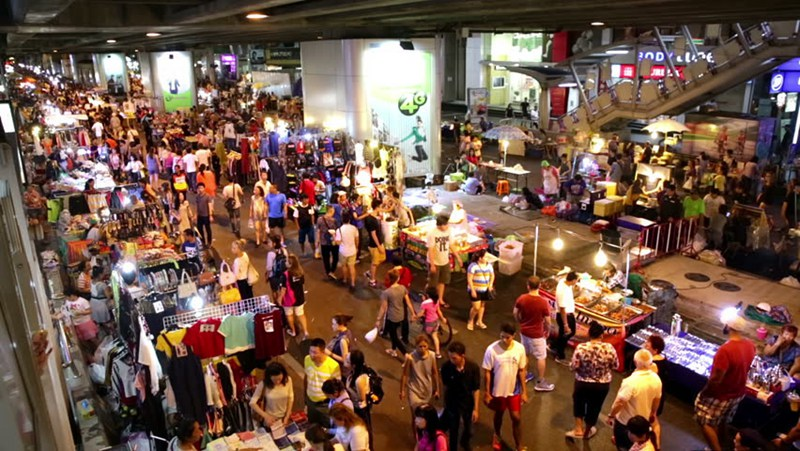 Silom Night Market 席隆夜市